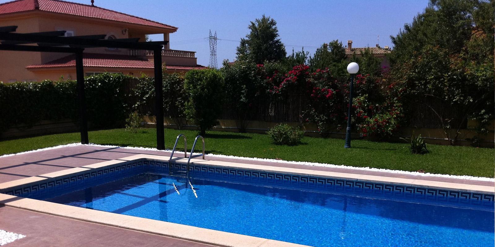 Construcci n de piscinas en mallorca construcciones calvo - Piscinas prefabricadas mallorca ...